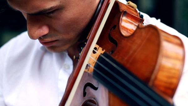Ear violin